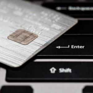 Онлайн кредит или кредитна карта